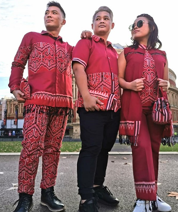 Shariff Amang and his Pua Kumbu design line